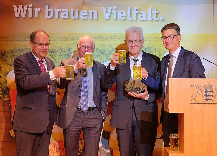 """Brauer ernennen Ministerpräsident Kretschmann zum neuen """"Botschafter des Bieres"""""""