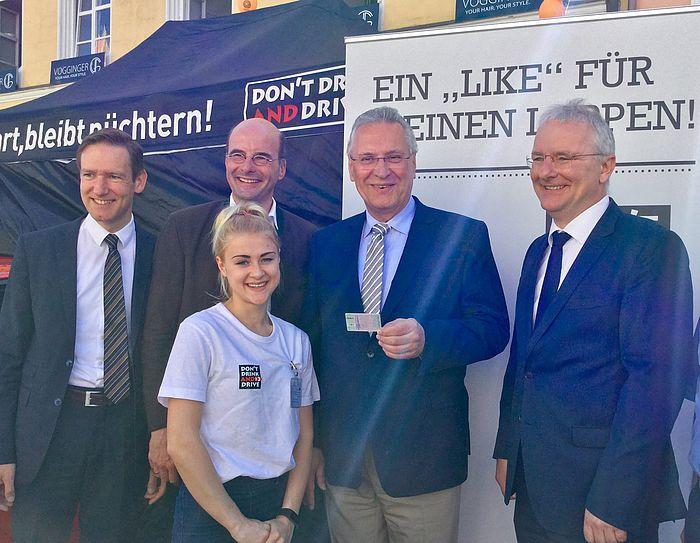 """""""Wer fährt, bleibt nüchtern!"""" – Innen- und Verkehrsminister Joachim Herrmann unterstützt die Kampagne """"DON'T DRINK AND DRIVE"""""""